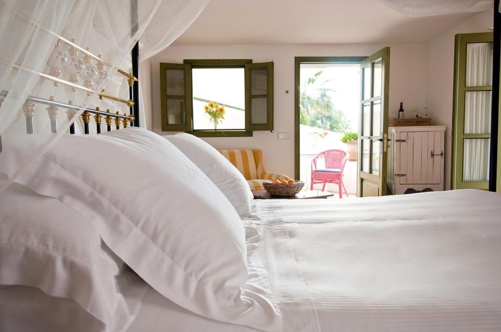 yoga-hotel-yoguihotel-hacienda-cas-gasi-dormitorio