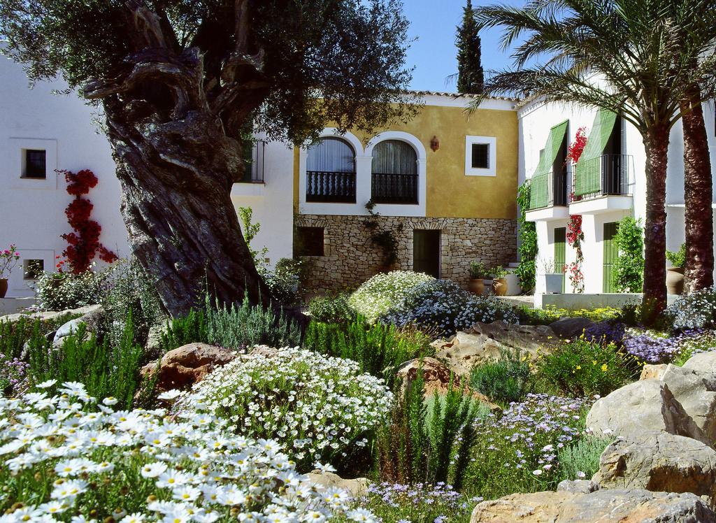 yoga-hotel-yoguihotel-hacienda-cas-gasi-jardines