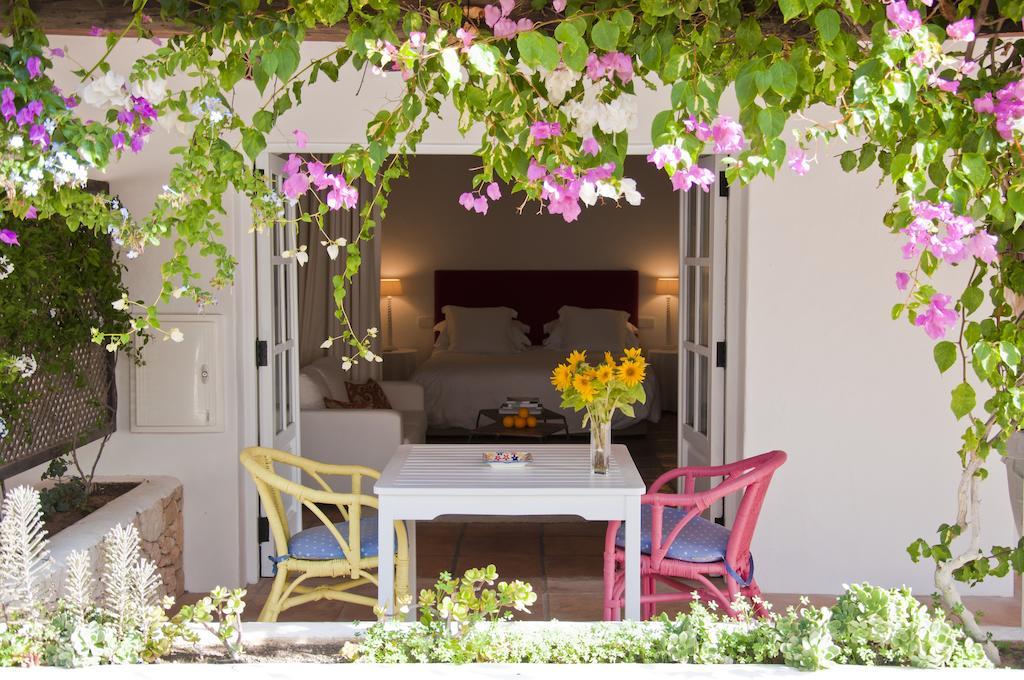 yoga-hotel-yoguihotel-hacienda-cas-gasi-terraza