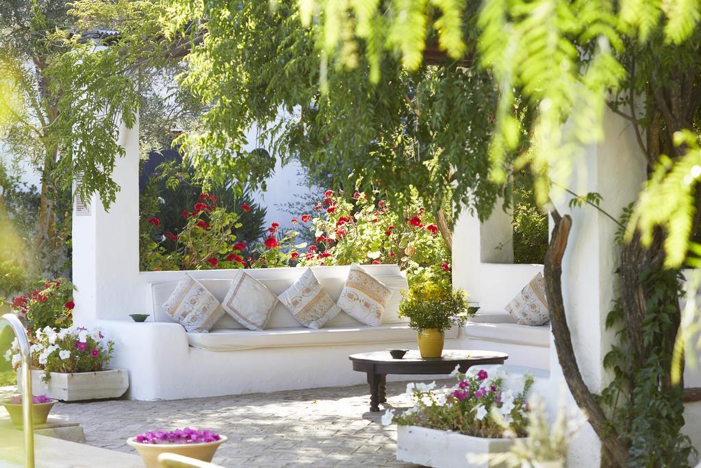 yoga-hotel-yoguihotel-hacienda-san-rafael-porche