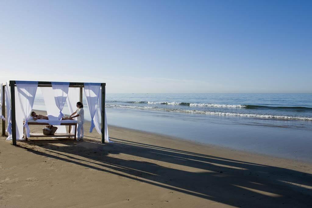 yoga-hotel-yoguihotel-paradis-plage