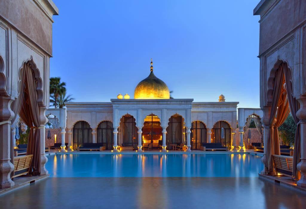 yoga-hotel-yopguihotel-palais namaskar